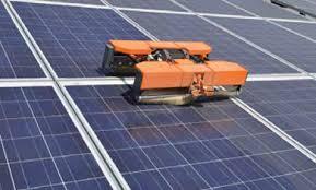 ソーラーパネル 清掃ロボット